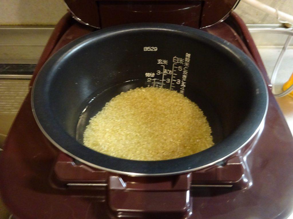 炊飯器にセット
