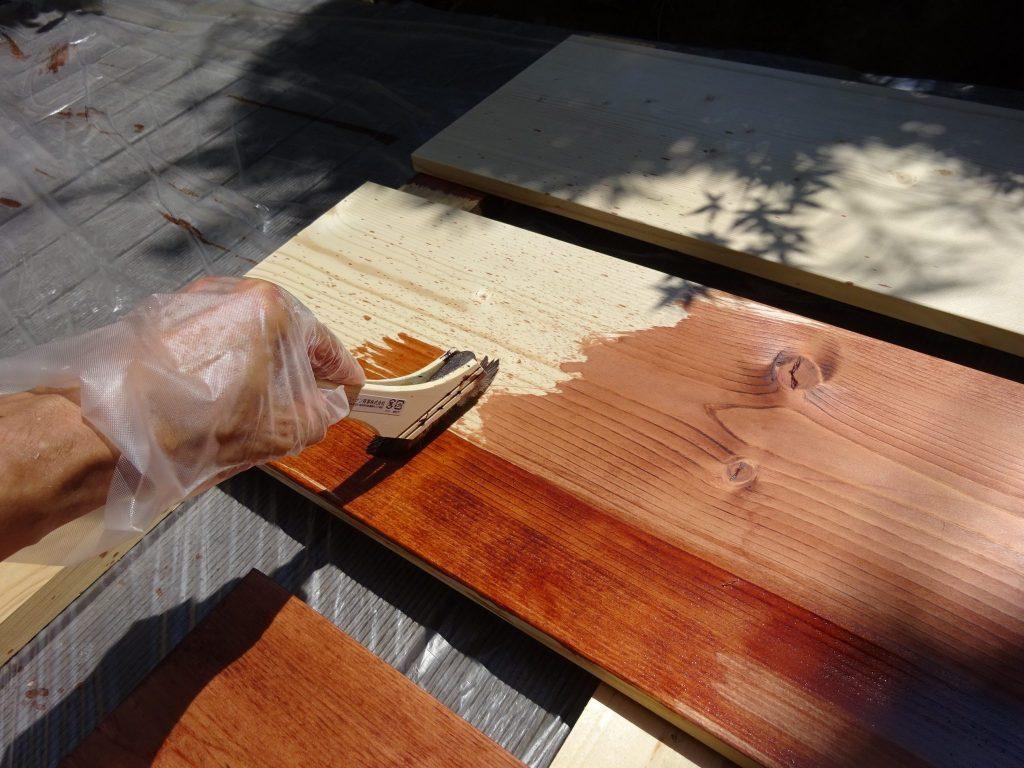オイルステンで木材の塗装