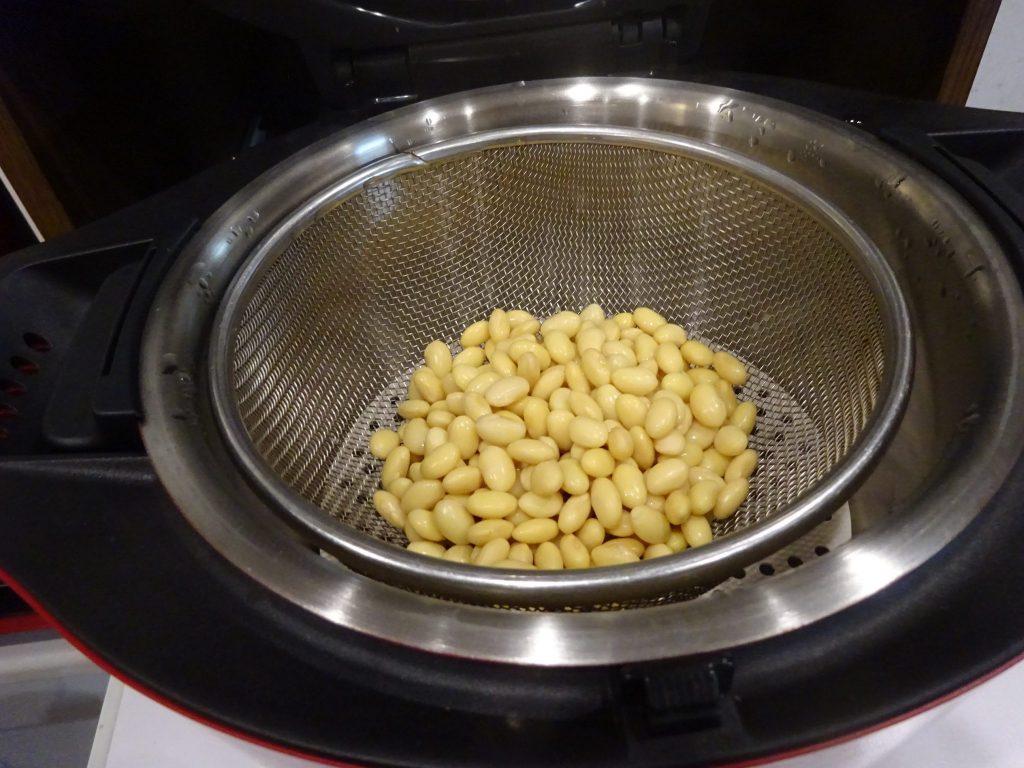 大豆蒸し上がり