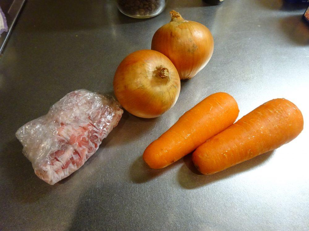 蒸しジャガイモを使ったクリームシチュー