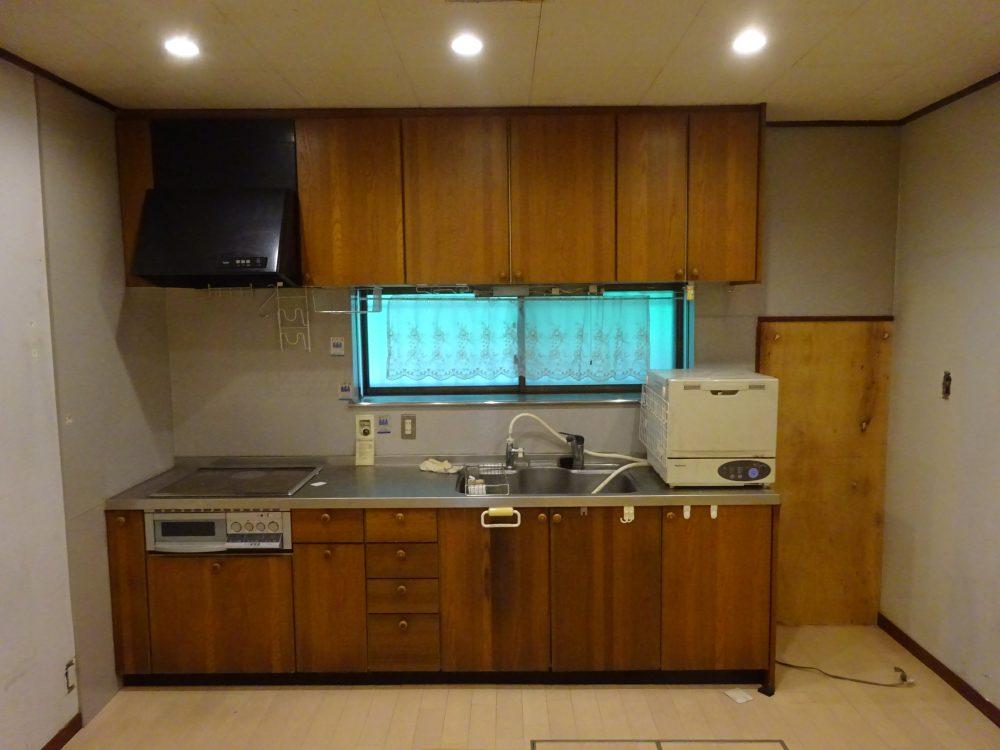 空っぽになったキッチン