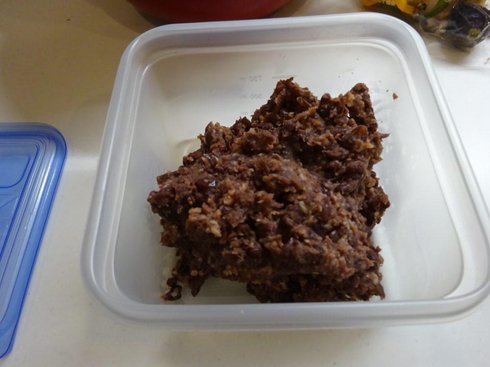 完成した発酵小豆は冷蔵庫で保存