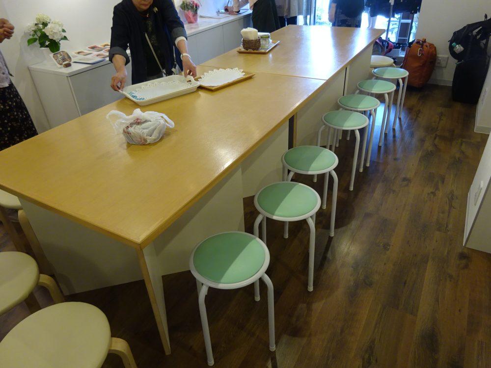 あるイベントで見かけた薄型収納できるダイニングテーブル