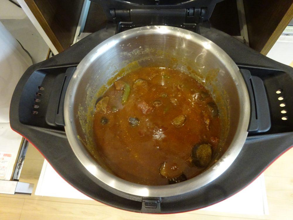 ヨーグルトに浸けこんだ牛肉を使ったビーフカレー