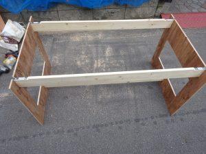 薄型収納できるイベント用ダイニングテーブルの改良版