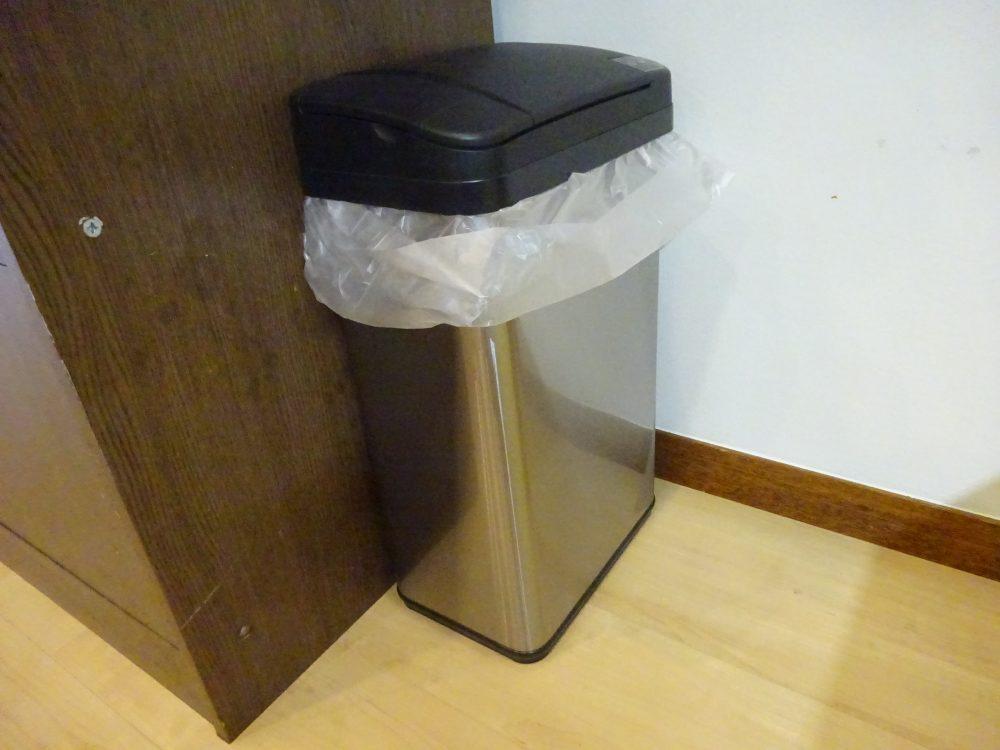 センサーで開閉する生ごみ用のゴミ箱でルンバブル化