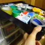 プラダンを使って隙間収納ボックス作り、寸法自由なのでぴったり収まります。