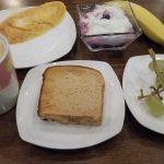パン中心の朝食