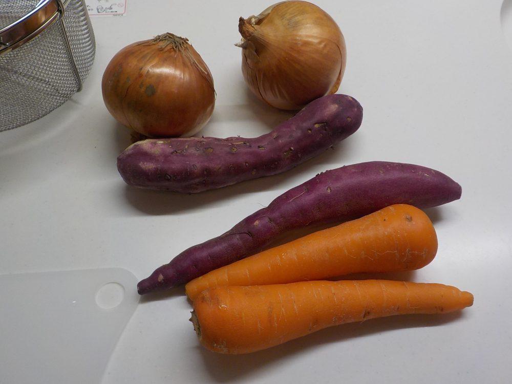 野菜をホットクックで混ぜます