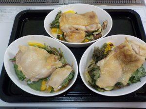 3人前同時調理グラタン皿で鶏もも肉のステーキ