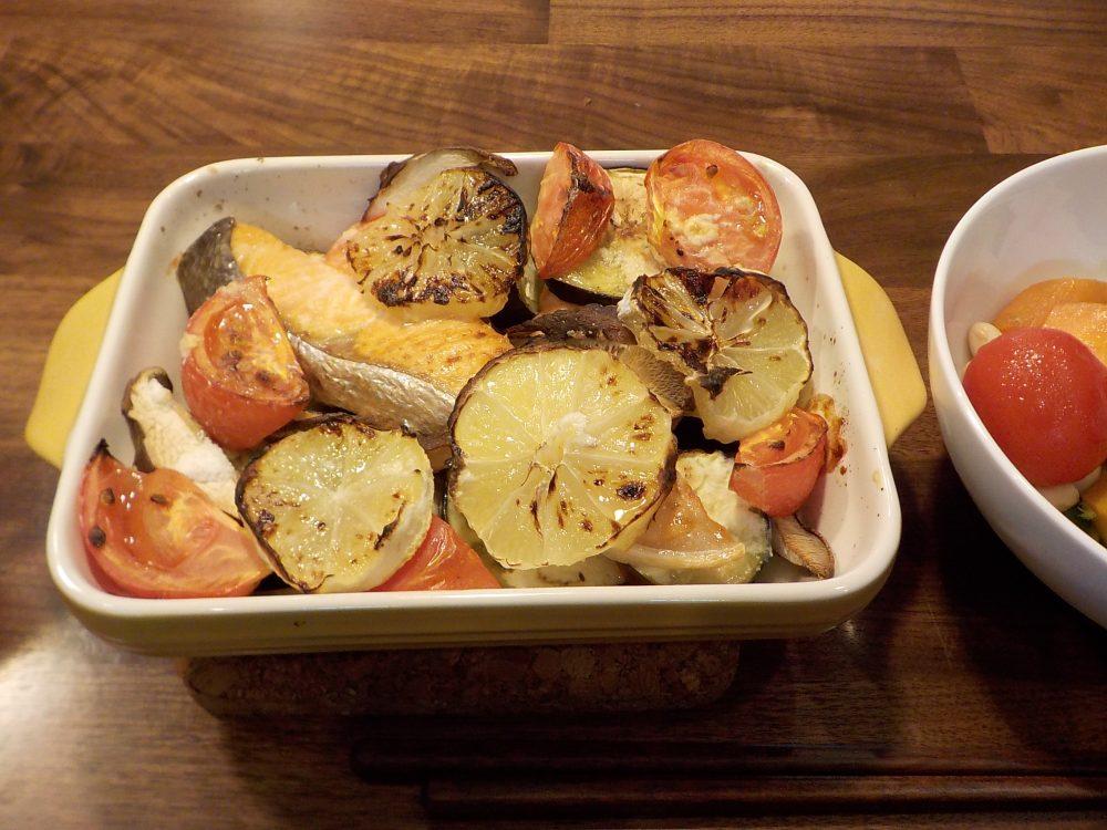 グラタン皿で作るサーモンのオレンジ焼き